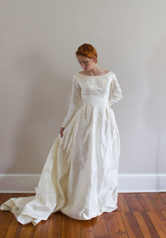 1950's Embroidered Wedding Gown/ Size XS