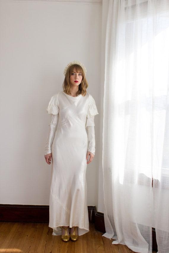 1930's Satin Art Deco Wedding Gown / mutton sleev… - image 4