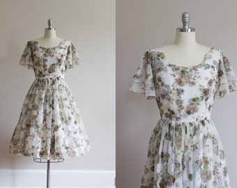 1950's Chiffon Floral Dress / Flutter Sleeves / M