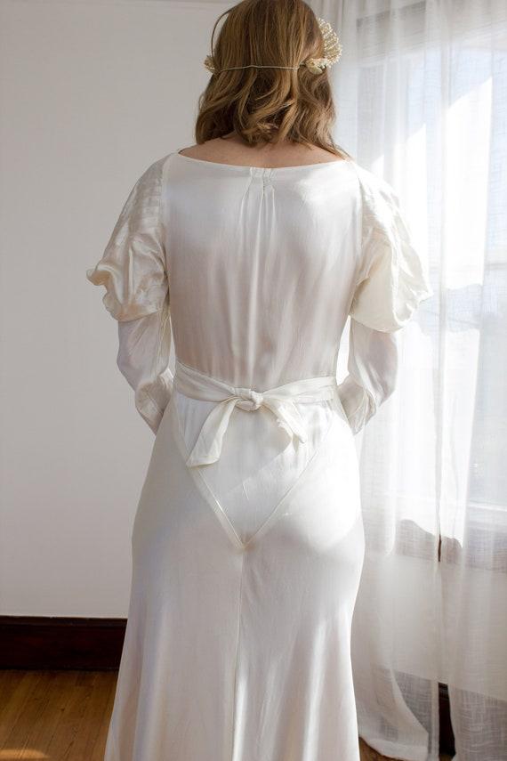 1930's Satin Art Deco Wedding Gown / mutton sleev… - image 5