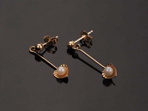 Gold pearl earrings, vintage earrings, 1960s earri