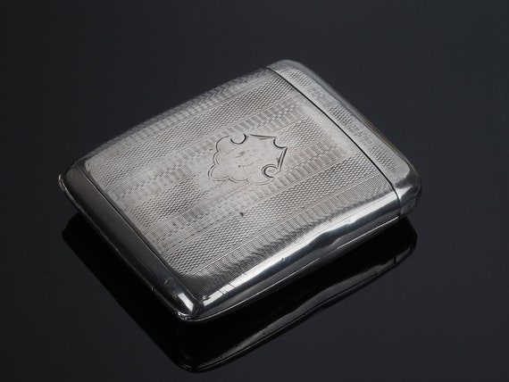 Flip Top cigarette case, Art Deco cigarette holder