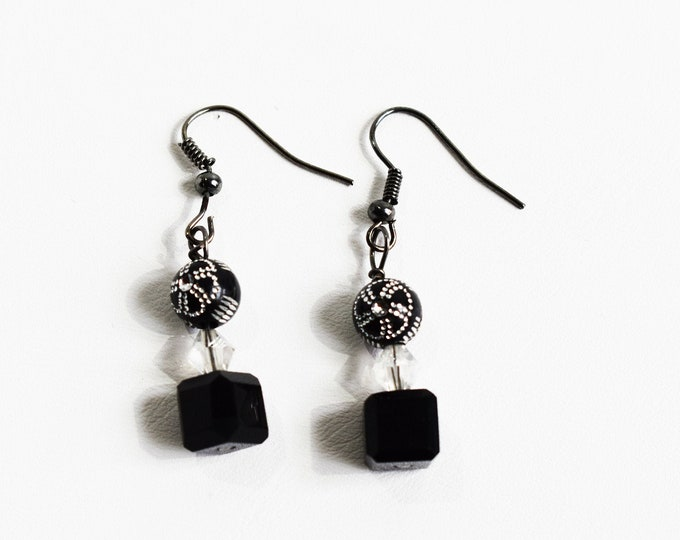 Dangle Earrings - Black And Crystal