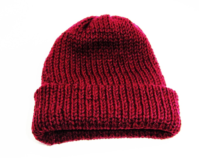 The Classic Beanie Burgundy