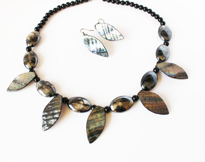 Abalone Mother of Pearl Jewelry Set ~ Necklace & Earrings
