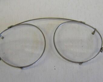 1ece9c6919a Vintage Children Clip-on Glasses Eyeglasses Filigree Frame