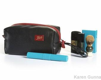 Monogrammed Groomsman Gift Leather Toiletry Bag Shaving Kit Personalized Gift For Best Man Dopp Kit Razor Bag Wedding Gift Medium Size