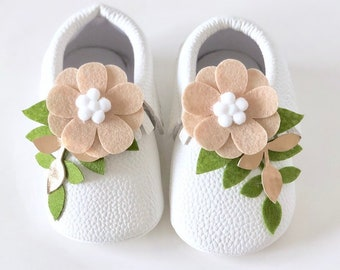 d136d538fb80 Unique baby shoes