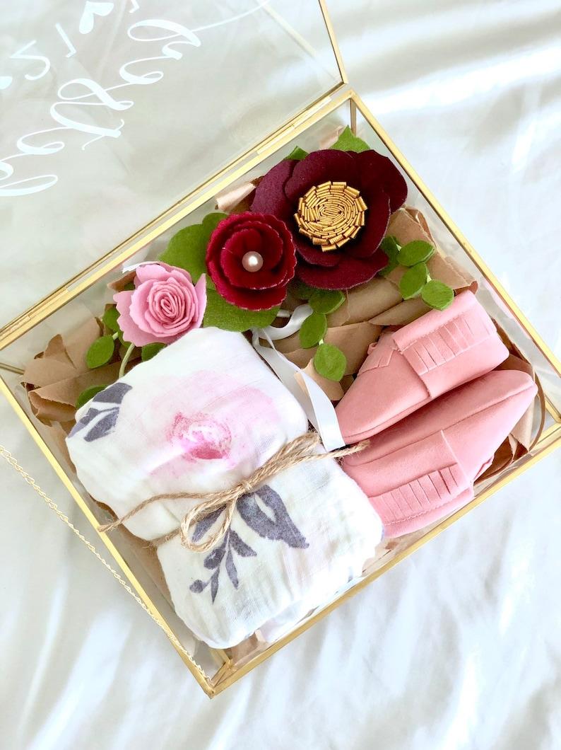 Baby gift set / newborn gift / gift for new mom / baby image 0