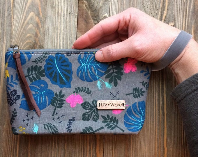 The Zippered Clutch {more fabric options}