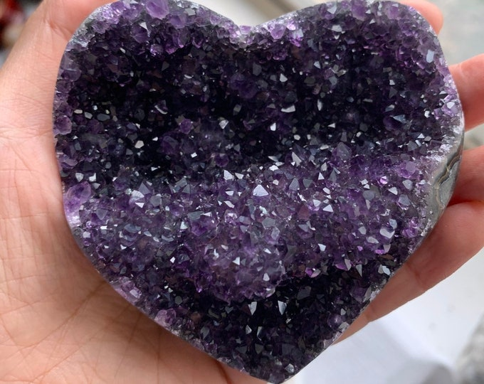 """3.3"""" 8.3oz/235g Beautiful Uruguayan Amethyst Heart with stalactite formation"""