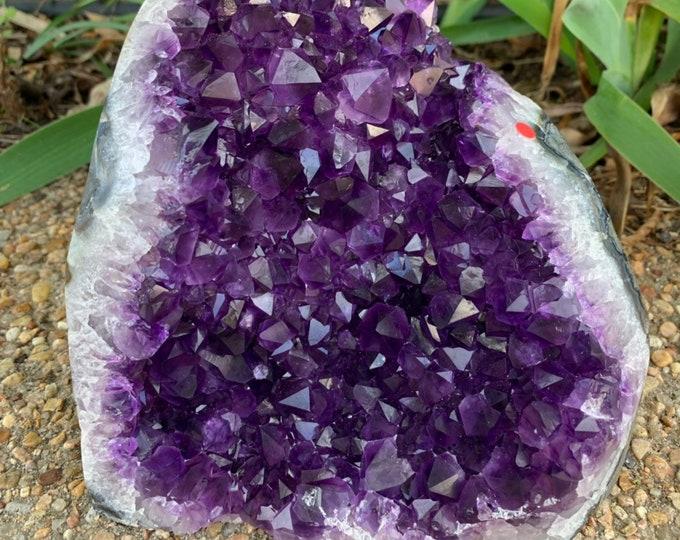 6.4 lb Grade AAA Beautiful purple large Amethyst Geode with cut base--Artigas Uruguay