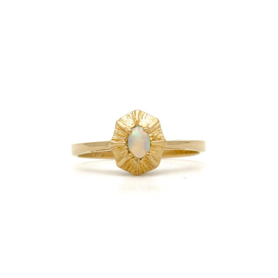 Vintage 14k Gold Opal Ring   Yellow Gold Opal Sol… - image 1