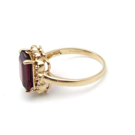 Vintage 9k Gold Garnet Ring   Yellow Gold Garnet … - image 4