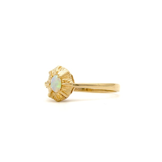 Vintage 14k Gold Opal Ring   Yellow Gold Opal Sol… - image 3