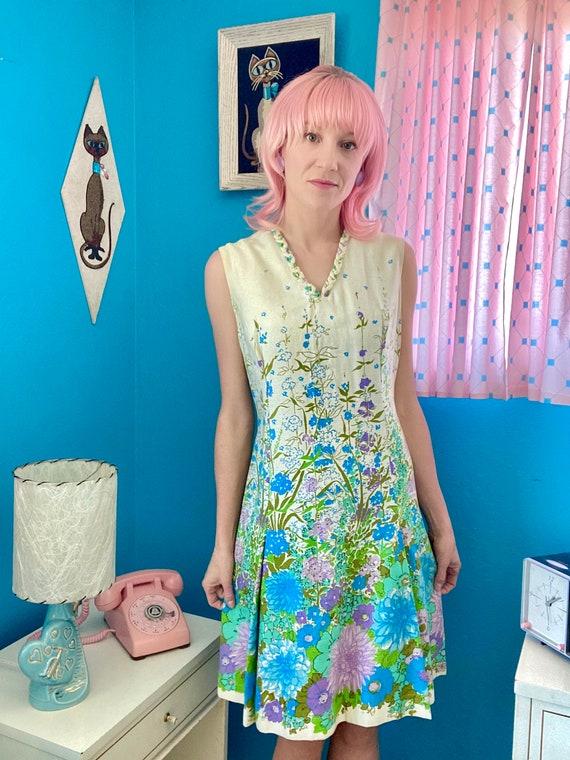 Vintage 60s 70s floral A line dress size medium