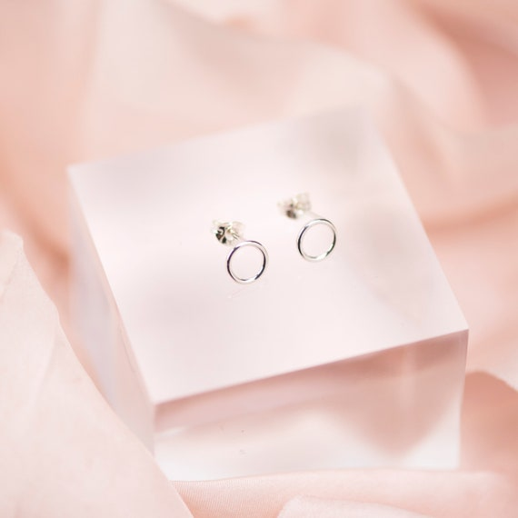 Sterling Silver Circle Stud Earrings, Minimalist Earrings, Open Circle Earrings, Circle Earrings, Open Circle Stud, Dainty Stud Earrings