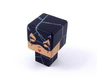 "Magnet figurine cubic superheroine ""Catwoman"""