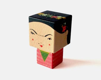 Wooden decorative Frida Kahlo cubic cutout size S
