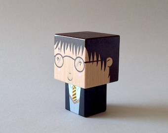 "Cubic figurine wooden decorative ""Harry"""