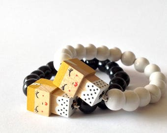 "Lacquered wood pearls bracelet ""pin-up"""