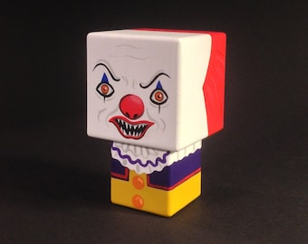 "Cubic deco ""Pennywise"" - ""it"" ""It"" wooden figurine ""came-"