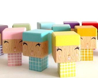 Kokeshi cubic Plaid decorative wooden cutout