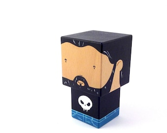 "Decorative cube ""Bearded"" wooden figurine - T-shirt skull + denim - hand painted."