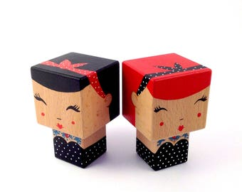 "Figurine ""Pin-up"" tattooed cubic Kokeshi style retro strapless dress with polka dots + headband - hand painted"