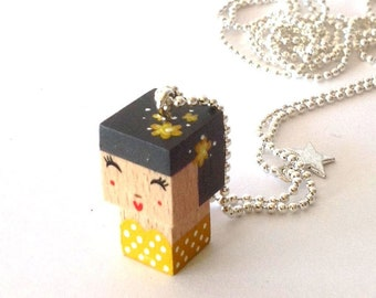 "Pendant cubic figurine ""Pin-up"" gray and yellow ball chain necklace"