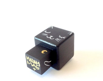 "Cubic figurine ""Black cat"" magnet"