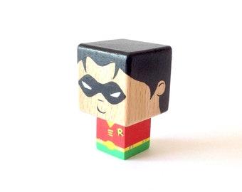 "Magnet figurine cubic superhero ""Robin"""
