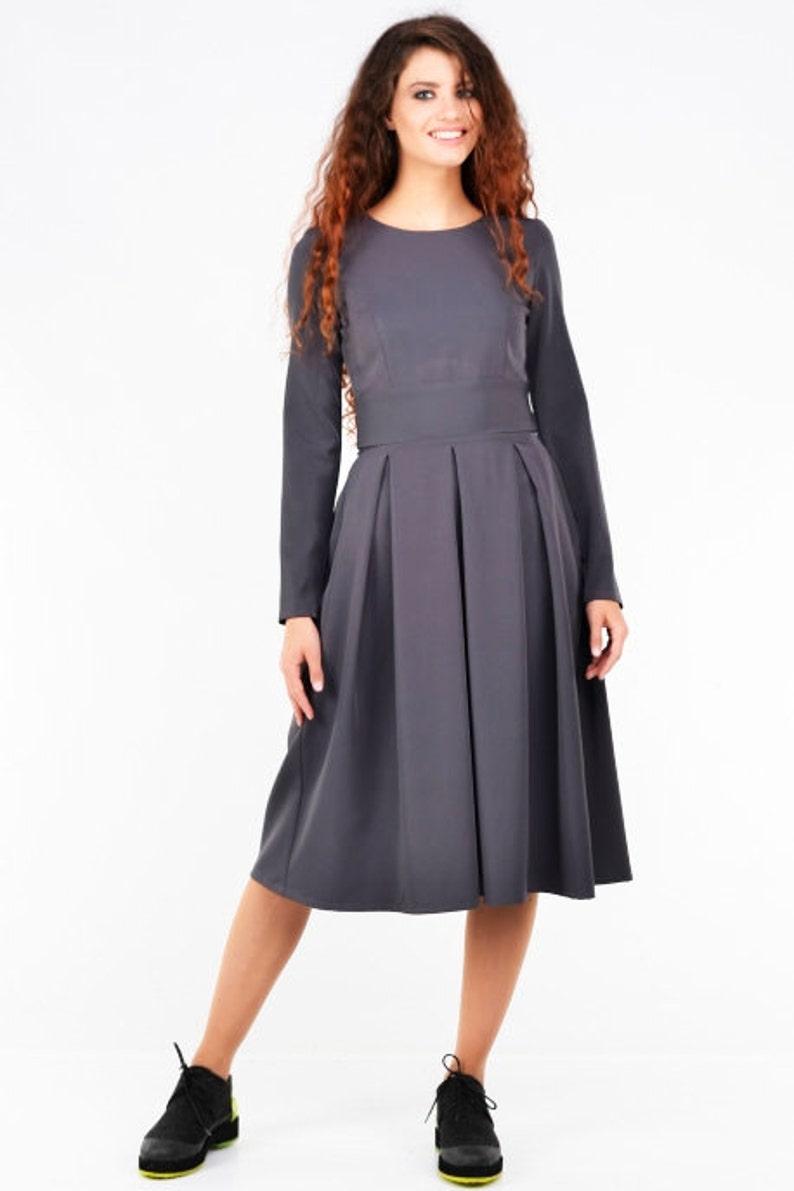 buy online a782f f9b8d Graues Kleid, lange Ärmel, ausgestelltes Kleid, Gothic Kleidung,  Maxi-Kleid, Abendkleid, Designer-Kleid, Winter Kleid, lose, 50er Jahre Kleid