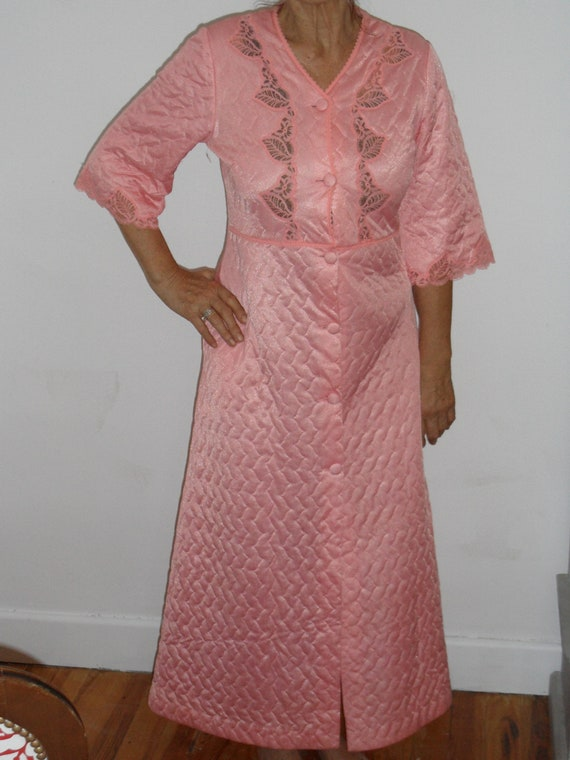 1960s dressing gown or robe,vintage dressing gown,