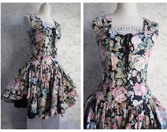 1c97e4984c 80s Ruffled layered vintage dress - Small size Corset Style trachten style  dress