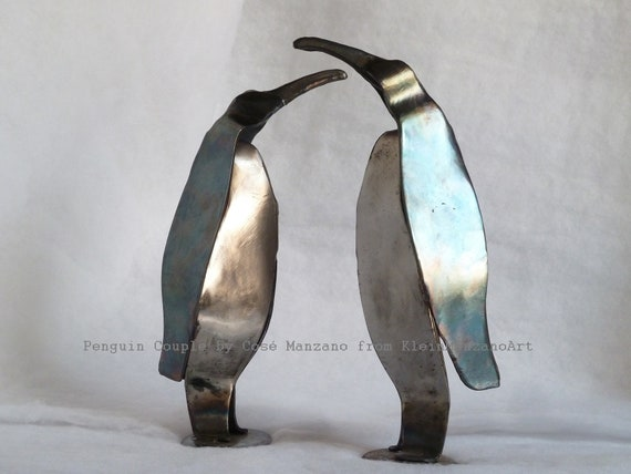 PENGUIN COUPLE, Climate change, Recycled art, Animal sculpture, Constructivist art, Steel, Wedding present, Eternal love, by Cosé Manzano