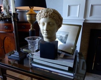 Vintage 1980/'s Female Bust Green Soapstone Sculpture 2 tier black marble base