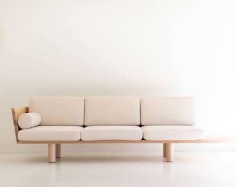 Modern Suelo Sofa - Turned Leg
