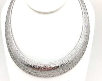 Wide  Bright Mesh Necklace