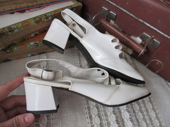Vintage white laquer sandals faux leather made in