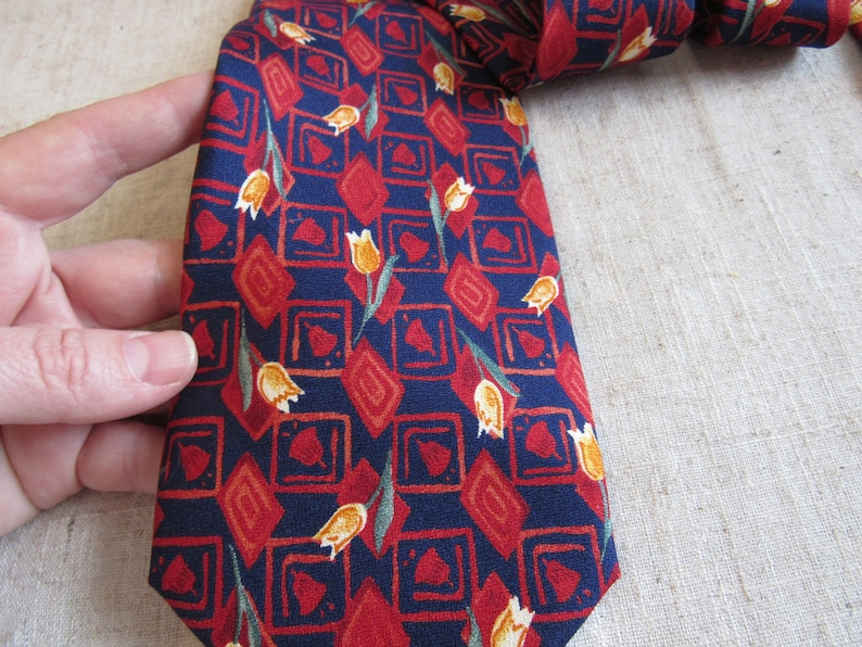 Rossardi Red tulips retro silk Necktie with tulips pattern made in ITALY 100/% silk tie Necktie 56 in long