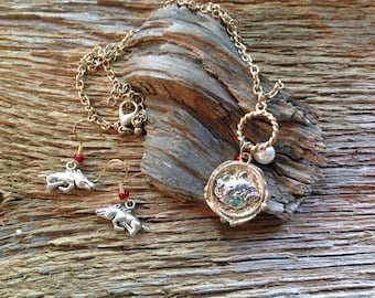 Arkansas Razorbacks necklace and earrings set: Arkansas boar pig necklace with earrings, razorback earrings, Arkansas pig sooie