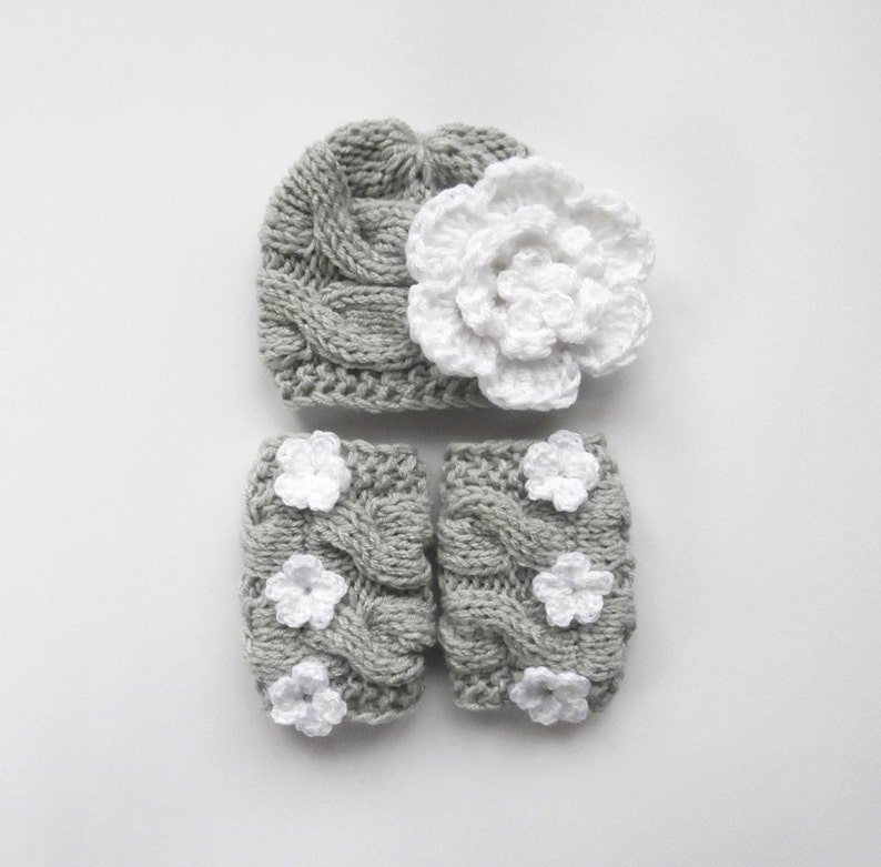 Newborn Baby Girl Outfit/_Baby Girl Hat and Leg Warmers/_Toddler Girl Winter Hat and Leg Warmers/_Toddler Baby Winter Hat/_Baby Winter Outfit