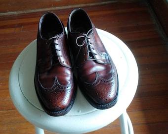cognac wingtips vintage florsheim 8 1/2 D mens brogues imperial oxford dark brown burgundy classic menswear