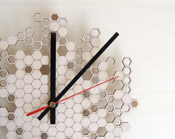 Large wall clock - Honeycomb Engraved - wood