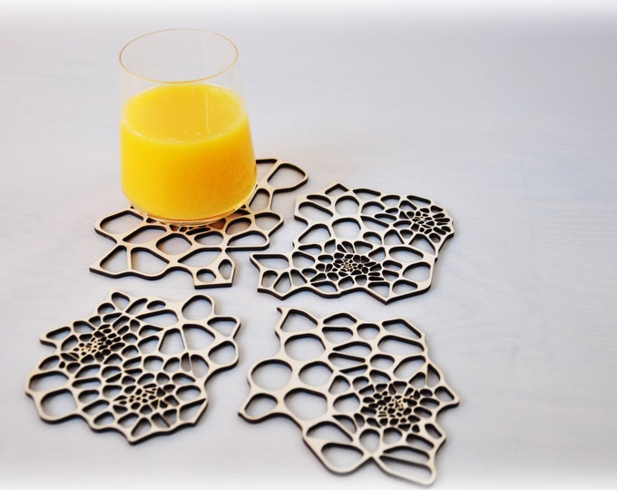 Wooden laser cut coasters - Cellular pattern - set 4