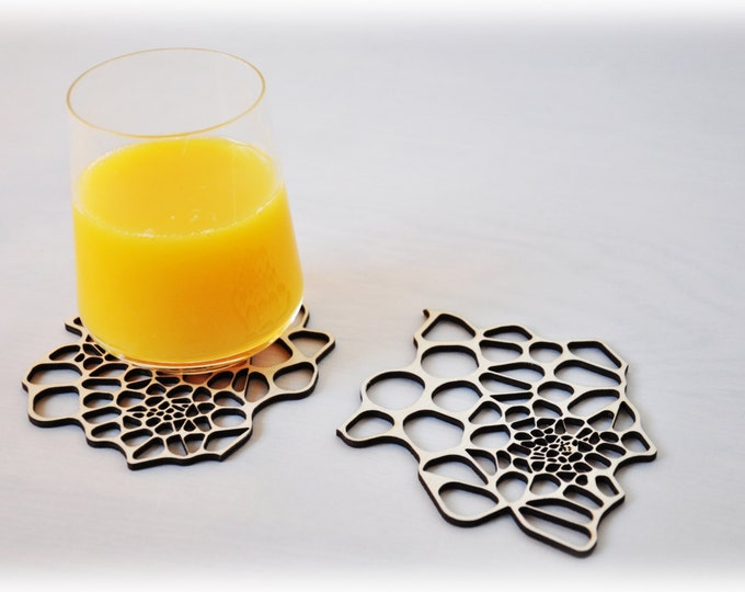Drink coasters - Laser cut wood - Cellular pattern - set 2