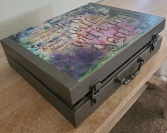 It is Well 72 Slot Essential Oil Box