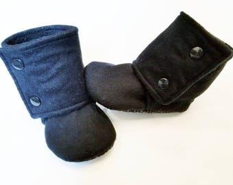 41c3157b39c8d Black baby booties