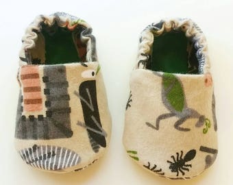Baby Booties, Baby Gifts, Baby Slippers, Baby Crib Shoes, Baby Moccs, Baby Shoes, Baby Booties, Bug Baby Slippers, Insect Baby Slippers